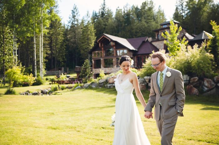 26 Portraits Holding Hands Sandpoint Idaho Mountain Wedding Amy Galbraith Photography   Via MountainsideBride.com