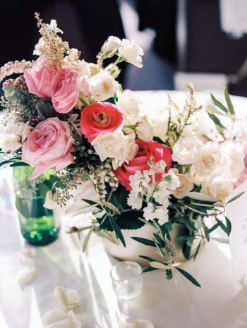 pink rose centerpieces | Copper Mountain Wedding Colorado Danielle DeFiore Photography | Via Mountainsidebride.com