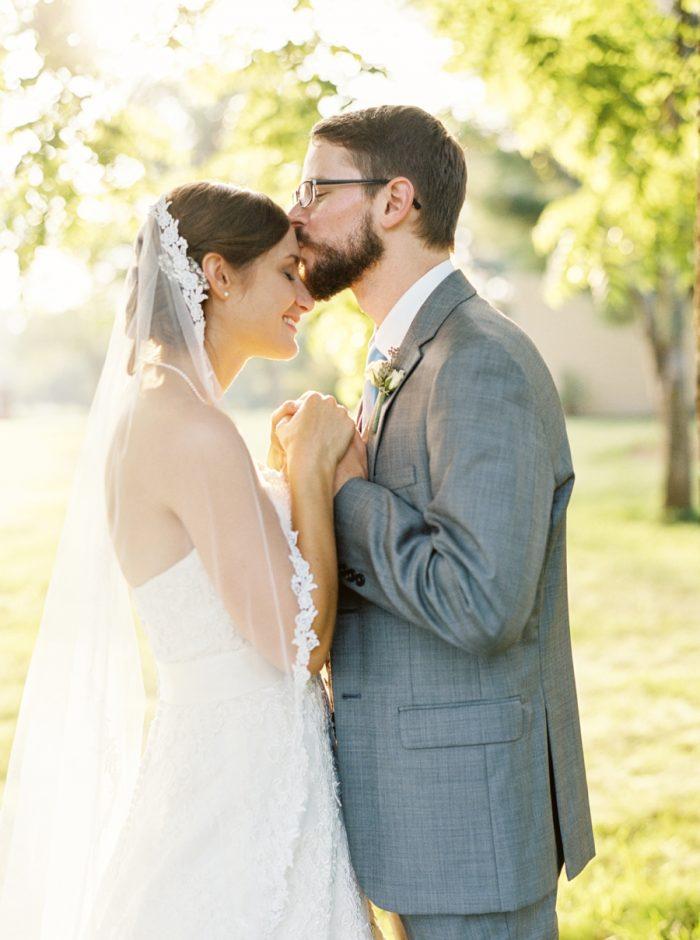 Bridal Portraits | Mountain Wedding In Barboursville Virginia By JoPhoto | Via MountainsideBride.com