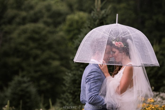 Portraits Rain NC Wedding | Parker J Pfister |via Mountainside Bride