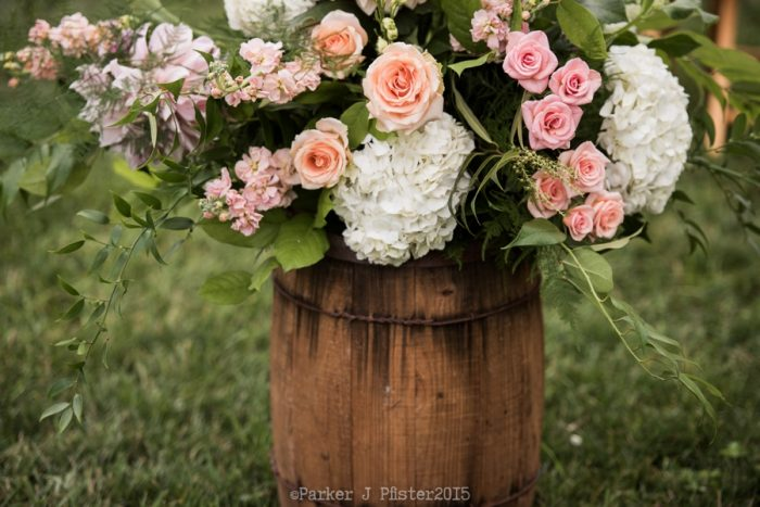 Ceremony Florals NC Wedding | Parker J Pfister |via Mountainside Bride