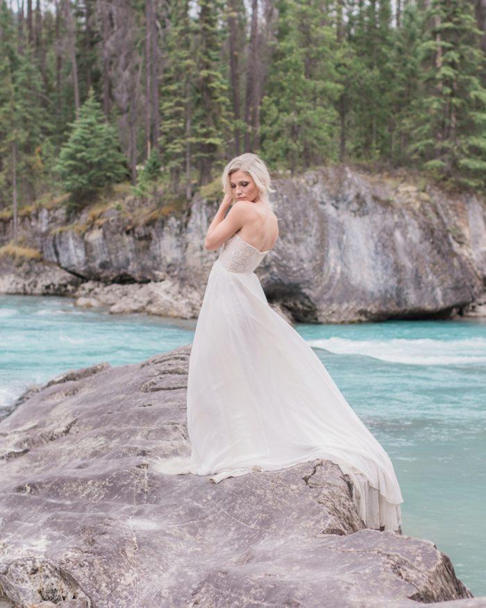 27 Emerald Lake Canadiian Rocky Mountain Styled Shoot