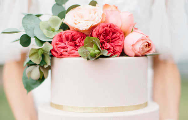 How To Save The Top Tier of Your Wedding Cake for Your First Anniversary