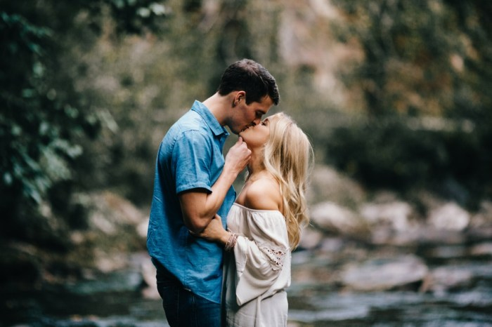 4 Smoky Mountain Engagement Session Erin Morrison Photography Via MountainsideBride.com