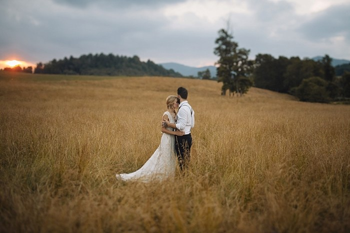29 Autumn Harvest Wedding Inspiration | Carolyn Marie Photography | Via MountainsideBride.com