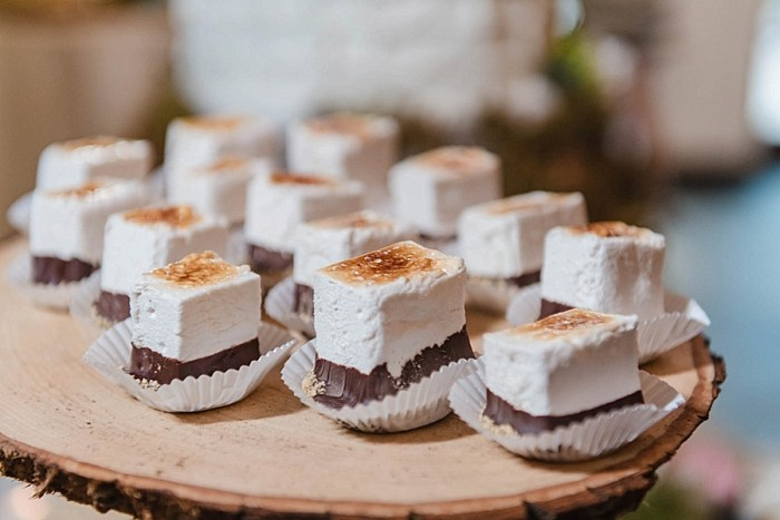34 Desserts 2 Sunshower Photography Via MountainsideBride.com