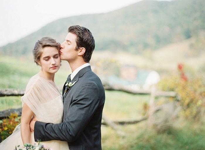 22 Alleghany Mountains Old Dairy Farm Wedding Inspiration Natural Retreats Via MountainsideBride.com