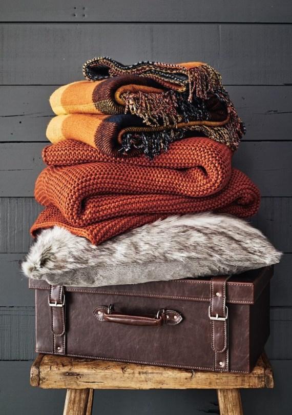 3 Cozy Sweaters Pantone Fall 2017 Autumn Maple 736