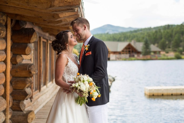 19 Colorado Lake House Wedding Inspiration Bergreen Photography Via MountainsideBride.com