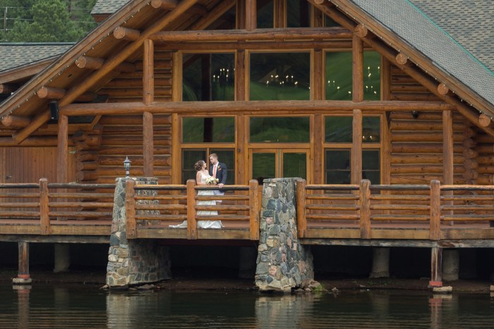 8 Colorado Lake House Wedding Inspiration Bergreen Photography Via MountainsideBride.com