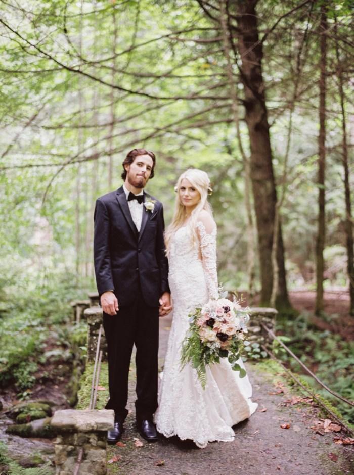 16 Roan Mountain Wedding JoPhotos Via Mountainsidebride.com