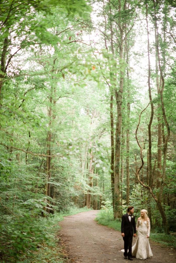 19 Roan Mountain Wedding JoPhotos Via Mountainsidebride.com