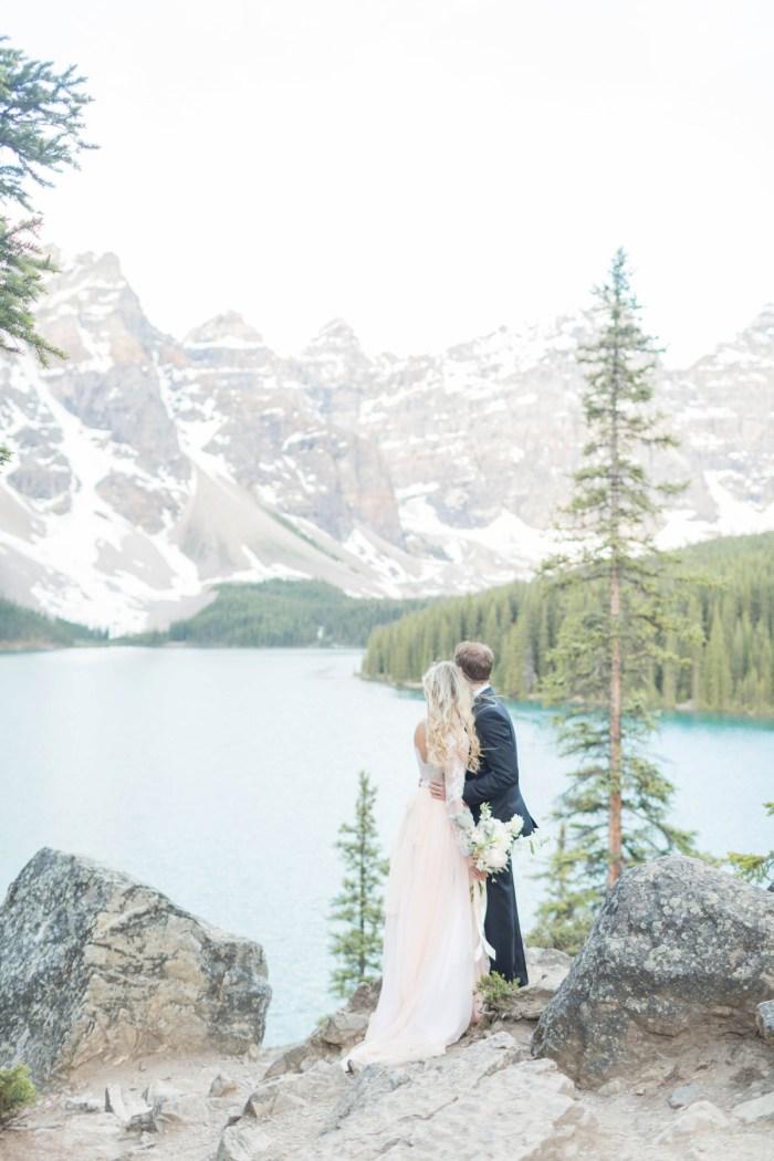 6 Banff Anniversay Ashley Tyler Anniversary KIR2BEN Via MountainsideBride.com