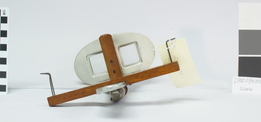 Stereoscope, view into two lenses.