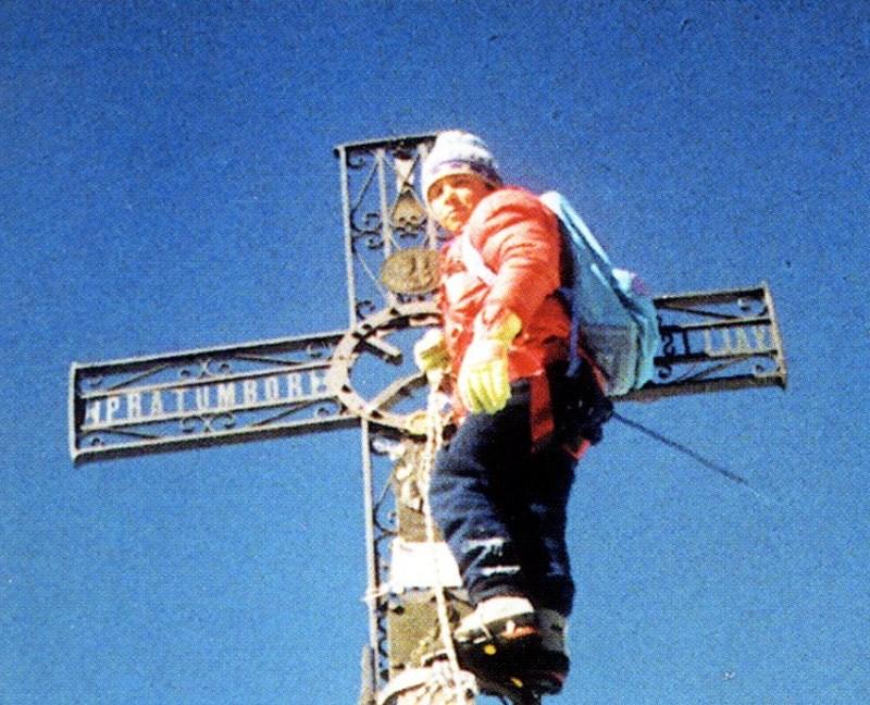 E' giusto portare un bambino in vetta? Se lo chiede in un titolo a tutta pagina il Corriere della Sera mercoledì 22 luglio 2020 prendendo spunto dalla storia di Jules Molyneaux, l'undicenne scozzese che ha scalato il Cervino con il padre...
