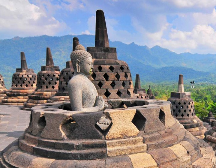 Borobudur Merapi Prambanan