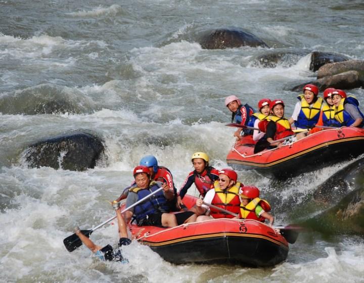 Elo white water rafting