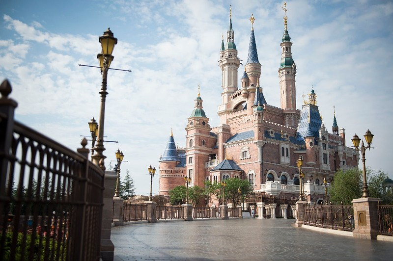 Shanghai Disney Resort temporarily closing in response to spread of coronavirus; refunds to be issued