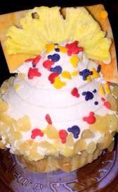 pineapple-macadamia-nut-cupcake-413x625.jpg