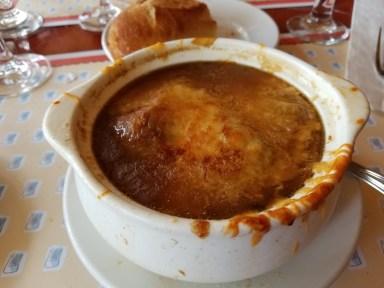 Soupe à l'oignon gratinée (French Onion Soup)