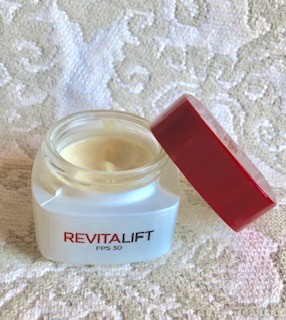 Loreal Revitalift Crema Hidratante Reseña