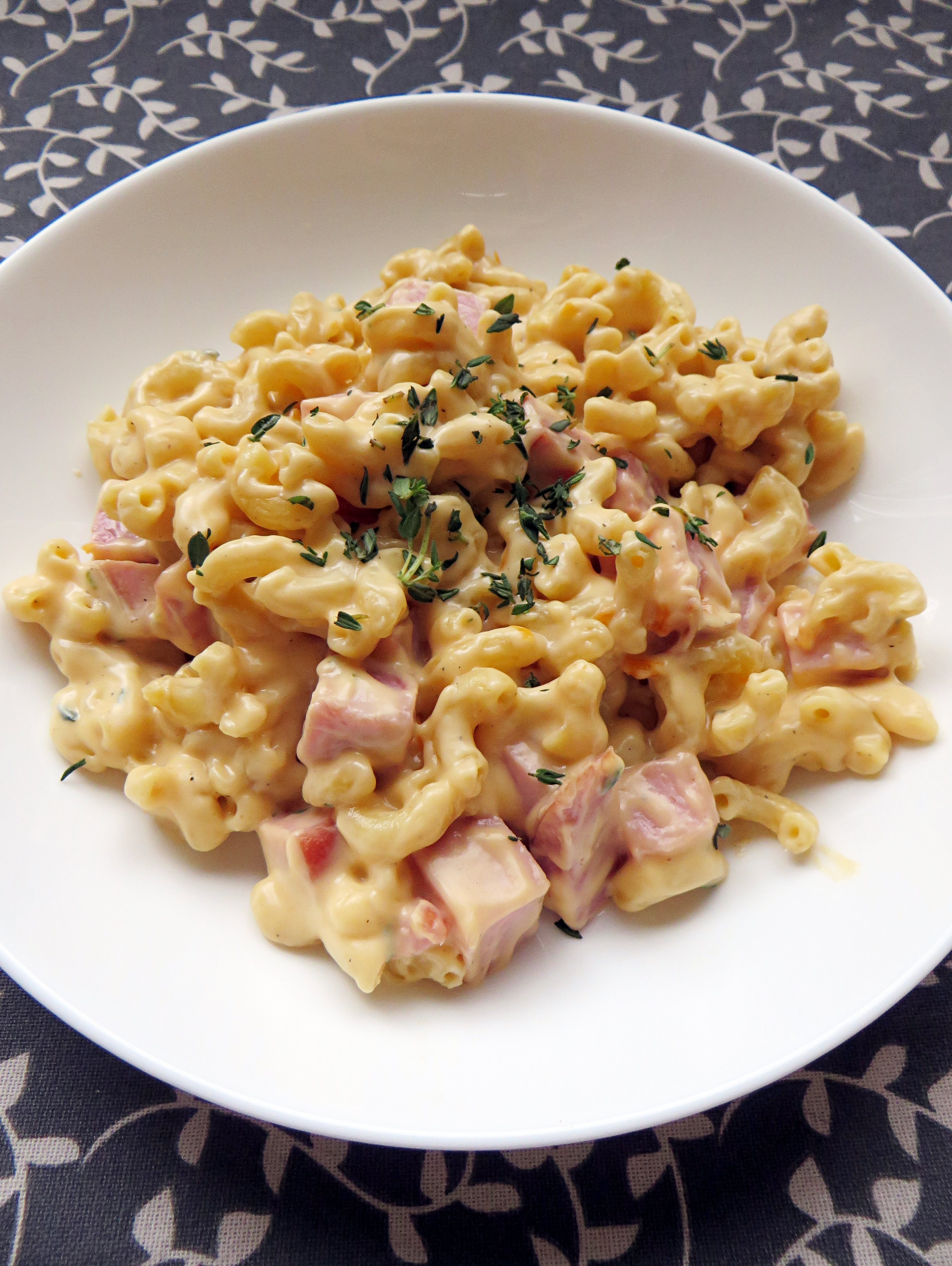 Homemade Mac and Cheese with Ham