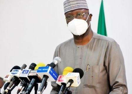 COVID-19: FG goes tough, slams travel ban on 100 Nigerians