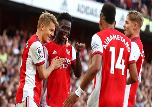 BREAKING: Arsenal massacre Tottenham 3-1