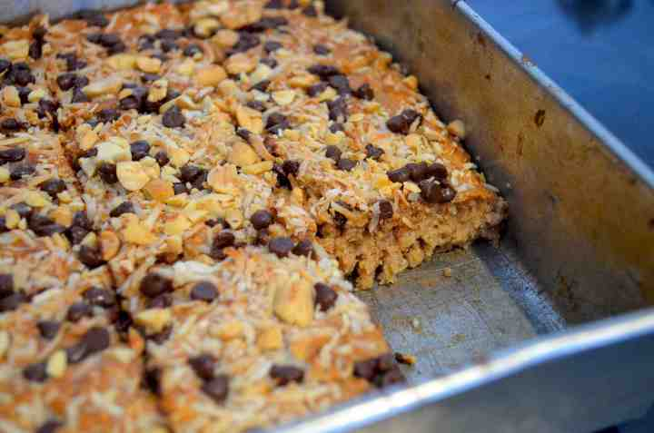 THE BEST HOMEMADE PROTEIN BARS EVER