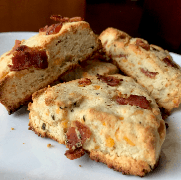 Low-Carb Cheddar Bacon Onion Scones(Gluten-Free)