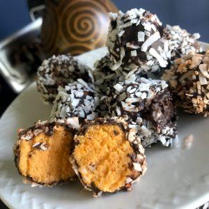 No-Bake Pumpkin Cheesecake Truffles