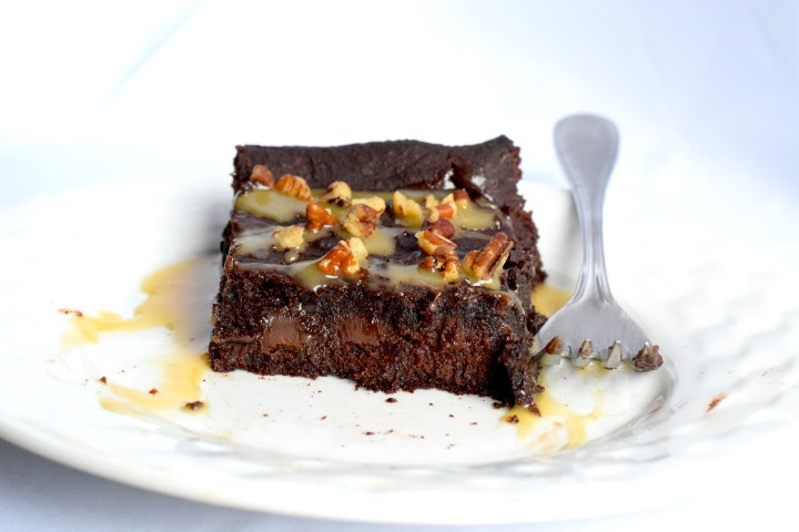 best keto chocolate caramel cake recipe