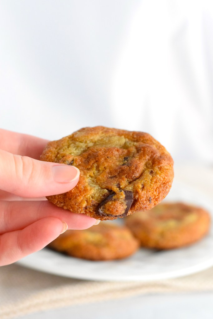 almond flour chewy keto chocolate chip cookies