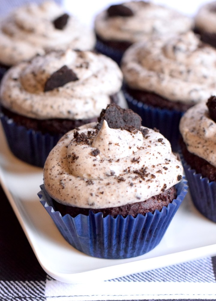 keto oreo cupcakes