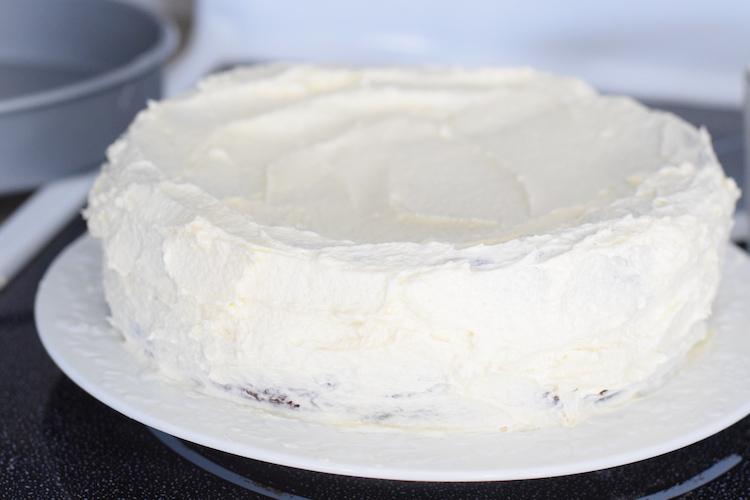 keto cream cheese frosted red velvet cake