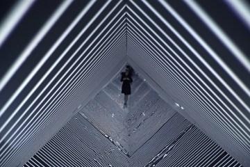 infinity-refik-anadol-mouvement-planant-01