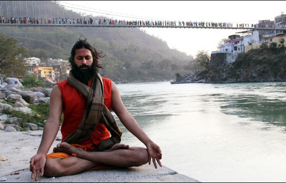 Vikram Gandhi as the prophet Kumare in the film Kumare