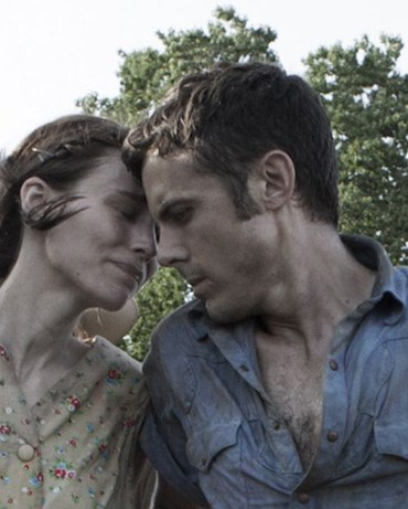 """Rooney Mara and Casey Affleck in David Lowery's movie """"Ain't Them Bodies Saints"""""""