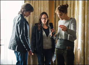 "Nicole Kidman, Karyn Kusama and Julie Kirkwood on the set of ""Destroyer"""