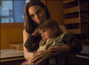 "Rooney Mara with child in David Lowery's ""Ain't Them Bodies Saints"""