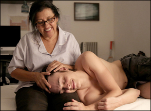 """Regina Case and Michel Joelsas in """"The Second Mother"""""""