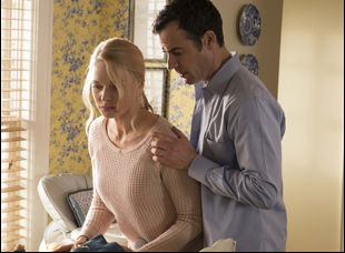 "Rebecca Ferguson and Justin Theroux in ""Girl on the Train"""