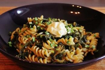 Kale garlic pasta | Grünkohl-Knoblauch-Nudeln