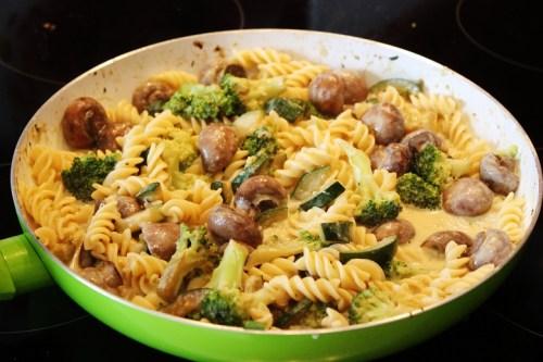 Mushroom Zucchini Pasta | Pilz-Zucchini-Nudeln