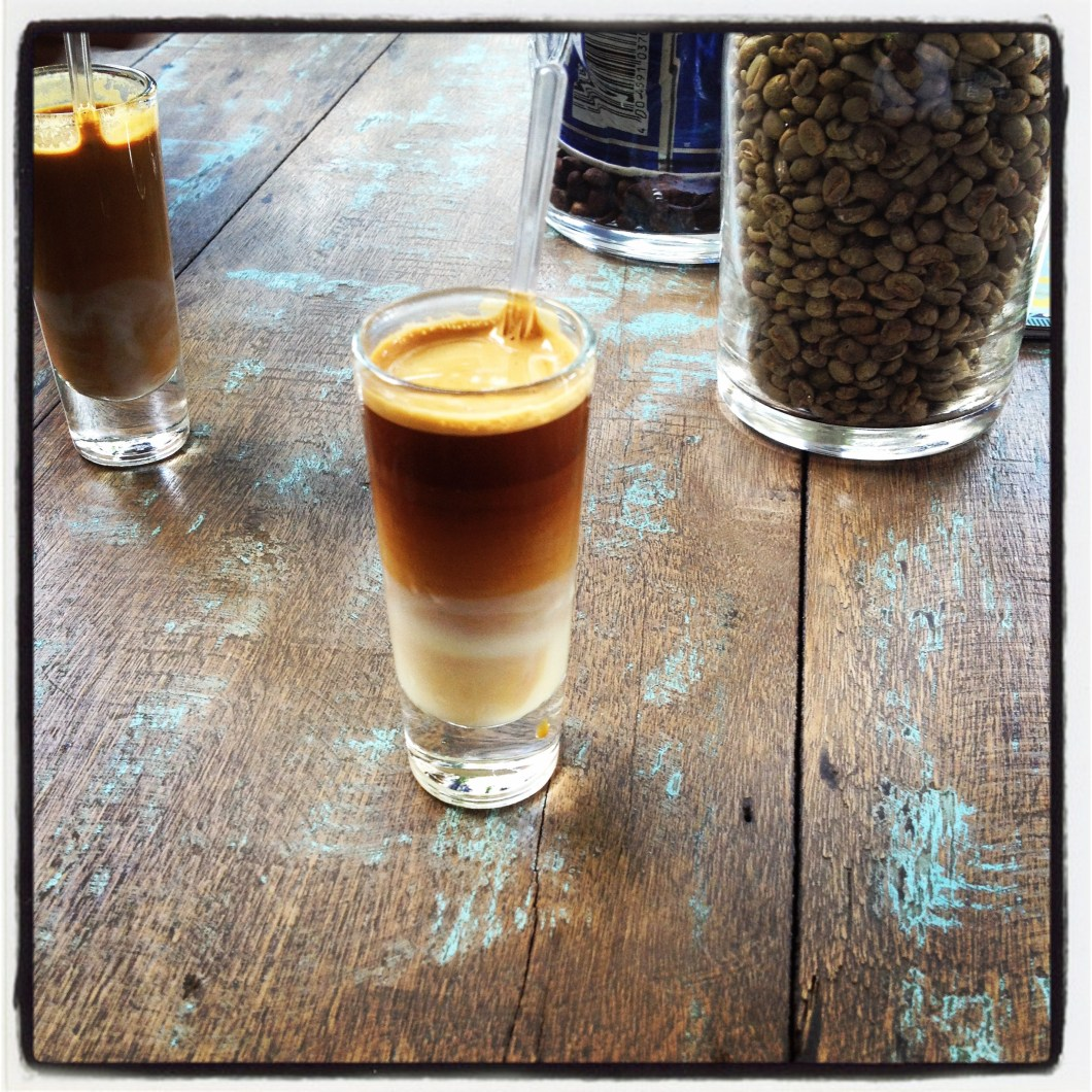 Móveis do Bem Café