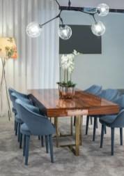 Mesa de jantar com pé em inox latonado
