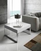 Mesa de apoio em lacado alto brilho branco com pés inox. Personalizamos ao seu gosto e estilo.