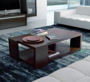 Mesa de centro em pinho cor chocolate. Personalizamos ao seu gosto e estilo.