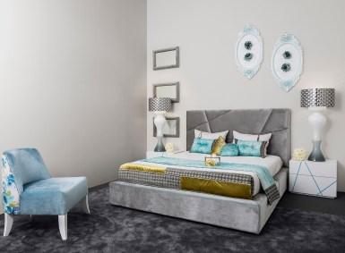 Cama Estofada em tecido e mesas de cabeceira em lacado branco e azul mate. Transforme o seu quarto num Quarto de Sonho!