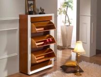 Sapateira em cerejeira. Peças de mobiliário que transformam os ambientes.